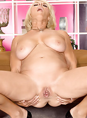 Georgette Shows Off The Most Popular MILF Body Ever