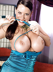 Busty Alicia plays with her cunt