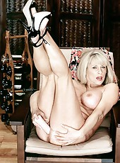 Milf Janey is fit to fuck all night