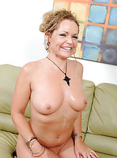 Anilos housewife Kelly Leigh gets fucked proper and bathed in cum
