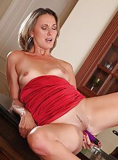 Classy Anilos Misty Law makes her toy slippery and fucks her pussy real good