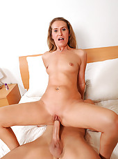 Anilos Sara James gives her husband a welcome home fuck and gets cum blasted