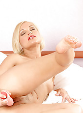 Horny Anilos Sylvia spreads her luscious pussy lips and fucks herself with a thick dildo