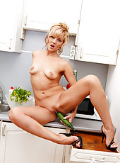 Mature housewife Zlata fucks her pussy using a vegetable shaped toy