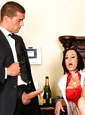Super hot big tits daria gets nailed in the office for a hot check in these hot pics