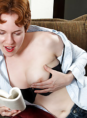Anilos Gigi masturbates by dipping her talented fingers deep in her hairy hole