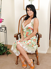 Gorgeous and exotic brunette MILF Sophia Bella posing naked here