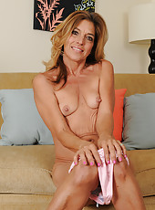 Sexy mature housewife Monique exposes her hot 51 year old body