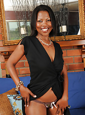 Elegant black beauty Sapphire from AllOver30 posing naked for you