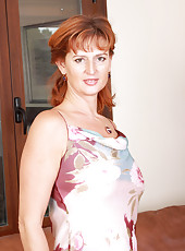 New mature model Liddy from AllOver30 showing off her older pussy