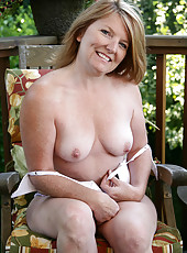 42 year old Stacie from AllOver30 gets naked and spreads outdoors