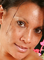 Exotic 42 year old Dez from AllOver30 working out here hot pussy