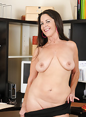 Tia take a break from her office duties to chain her tits together