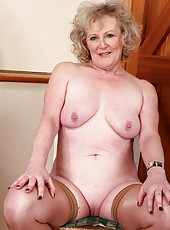 52 year old Keanne from AllOver30 showing off her luscious body