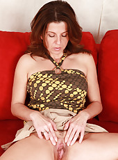 All real housewife Patris plays peek-a-boo with her mature pussy