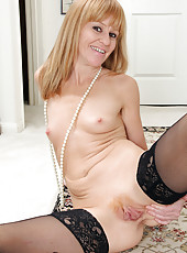 Skinny MILF Penelope slides off her elegant blue dress just for you