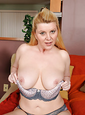 51 year old Venice from AllOver30 trying on new panties and bras