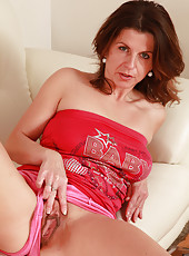 Real housewife Patris shows off her large and wet 36 year old pussy