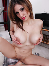 Busty housewife Mazy from AllOver30 takes a break to spread wide