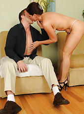Brunette MILF Xena settles her 39 year old pussy on throbbing cock