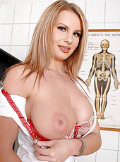 Nasty nurse Lovisa Nea stripteasing