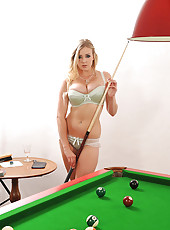 Hot Sapphire & Shione playing pool