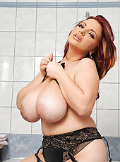 Joanna Bliss playing with her tits