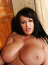 Huge tits of beautiful Leanne Crow