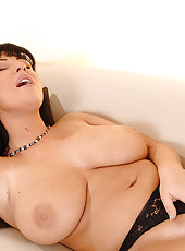 Busty babe Kora shows her big tits