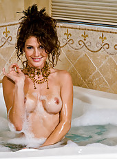 Sexy housewife Jenni Lee steps out of the hot tub for hot sex