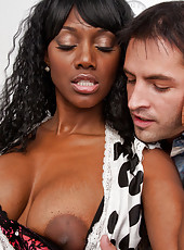 Nyomi Banxxx gets her sweet black pussy pounded