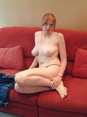 Amateur MILFs posing in the nude