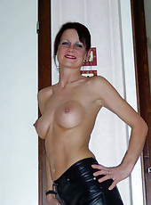 Amateur MILF in sexy poses