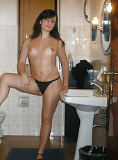 Sexy wife got naked