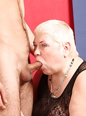 Wrinkled chubby mama gets her pussy fucked from all angles