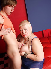 Lucky youngster fucks the shit out of a chubby mature blonde