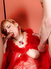 A double portion of meat and jizzum for a sexy old redhead