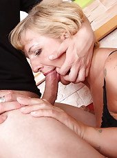Hard deepthroating after an anal fuck with a tattooed mama