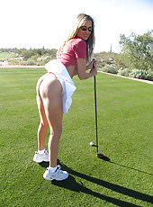 Rio doing some public nudity on a golf course in Arizona