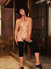 A real mature cowgirl just for a hardcore fucking