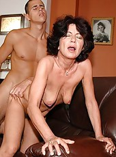 Horny blackhaired granny fucking and sucking dick