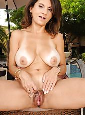48 year old Tori Baker from AllOver30 plunges her fingers deep inside