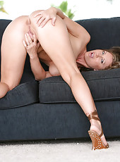 Stunning Milf Devon Lee Rides Mighty Cock Takes Load On Tits