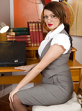 Busty 33 year old Amber Jayne from AllOver30 makes a great teacher
