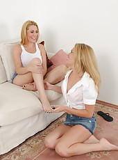 Jennifer Best and Daisy L get naked and grind tight pussies together
