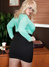 The Hot Secretary