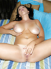 Amateur babes with their huge natural biggons
