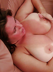 Older big tity milf on her knees giving a hot blowjob