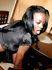 Sexy ebony baby with great ass gets her pussy fucked watch her get exposed on cam