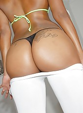 Sexy big tit black babe sucks cock and huge round ass bounces as she rides